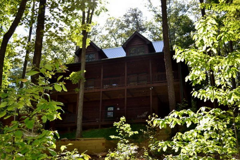 100 Acre Woods Rental Cabin