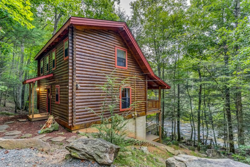 A tranquil place cabin rentals for Luxury pet friendly cabins in north georgia